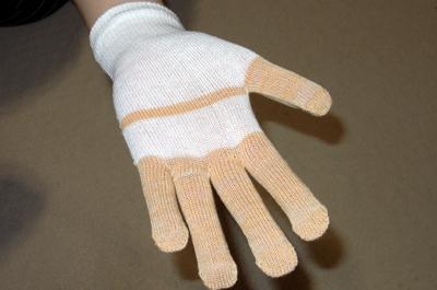 小林製薬 薬用おやすみ集中ケア 手袋